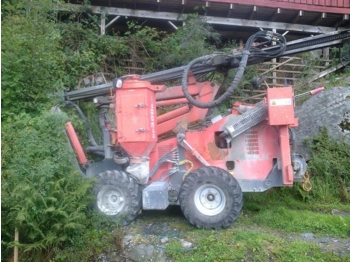 Sandvik Commando DC 300 R - drilling machine