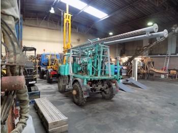 Unimog boorwagen - drilling machine