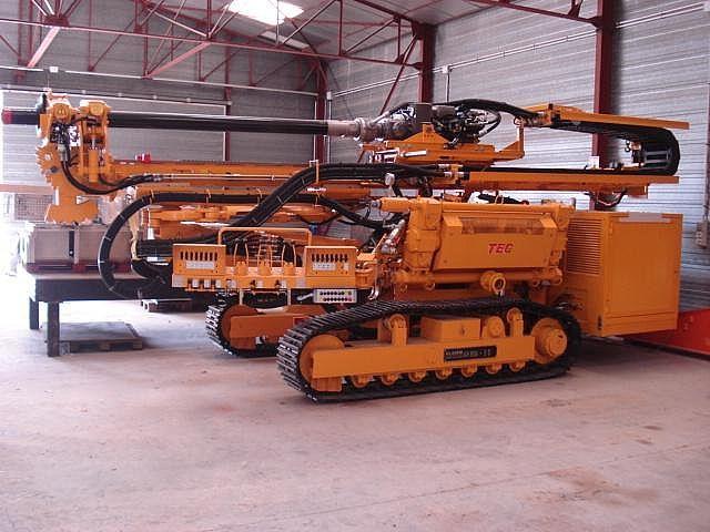 Drilling rig Klemm KR 806-3D - Truck1 ID: 653301