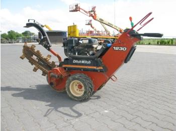 Ditch Witch 1230H - mini excavator