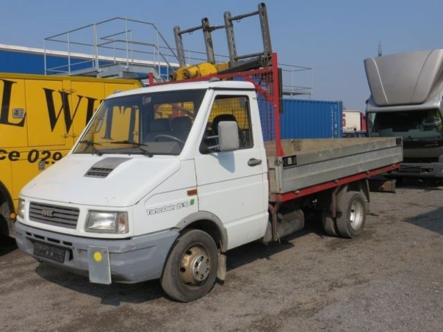 iveco daily 35 10 ahk ladekran mobile crane from germany for sale at truck1 id 1612084. Black Bedroom Furniture Sets. Home Design Ideas