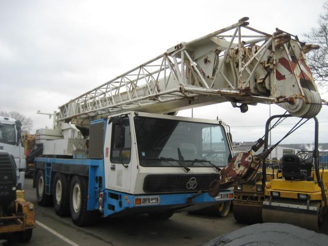 mobile crane Krupp kmk 3045