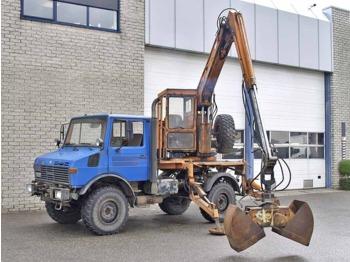 UNIMOG U 1250 - mobile crane