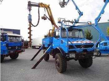 Unimog U1700  - mobile crane