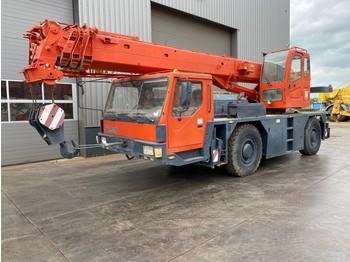 XCMG QAY25 25 Ton 4x4x4 All Terrain Crane - mobile crane