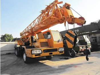 XCMG QY16D - mobile crane