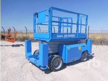 GENIE GS-3268 4x4 - scissor lift