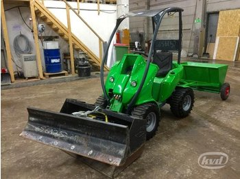 Avant 220 Skid steer loader (shovel, plow and gritter) - skid steer loader