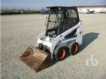 Skid steer loader BOBCAT 453