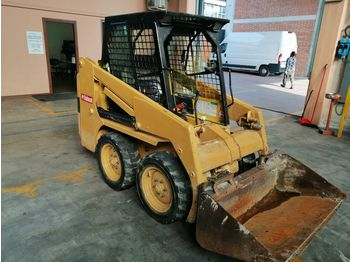 Skid steer loader BOBCAT 553