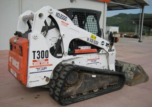 Skid steer loader Bobcat T300 - Truck1 ID: 869040