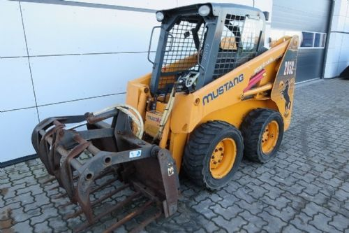 Mustang 2032 skid steer loader from Denmark for sale at Truck1, ID