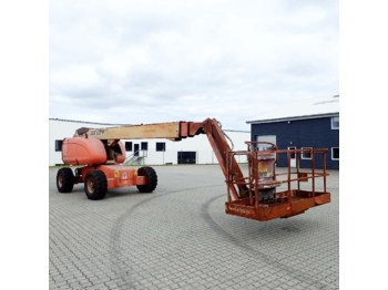 Telescopic boom JLG 660SJ