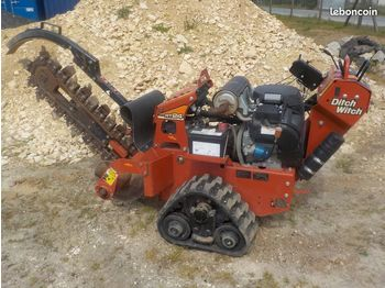 Trencher DITCH WITCH RT24