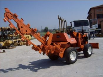 DITCH-WITCH R 30 4 wheel drive - trencher