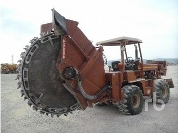 Ditch Witch 8020JD - trencher