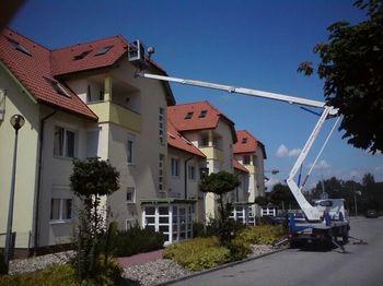 NISSAN Cabstar- Cela Z210 - truck mounted aerial platform