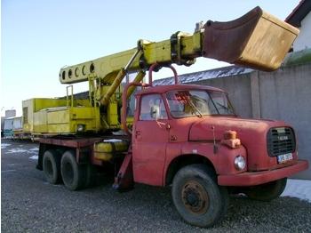 TATRA T148 UDS 6x6 - wheel excavator