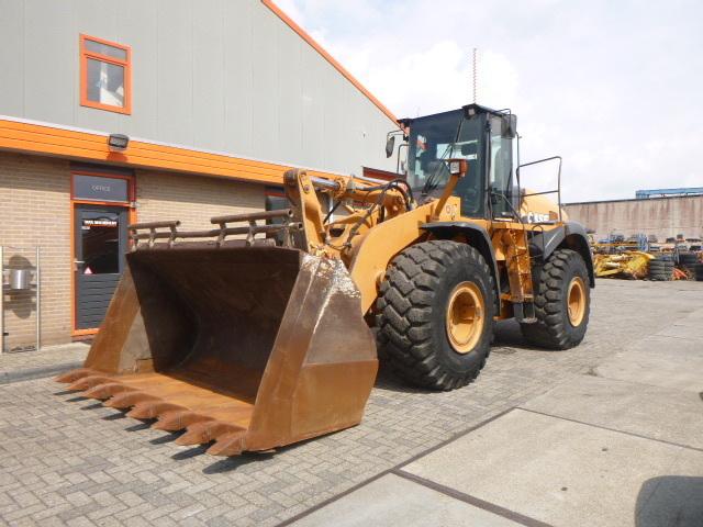 wheel loader CASE 921E