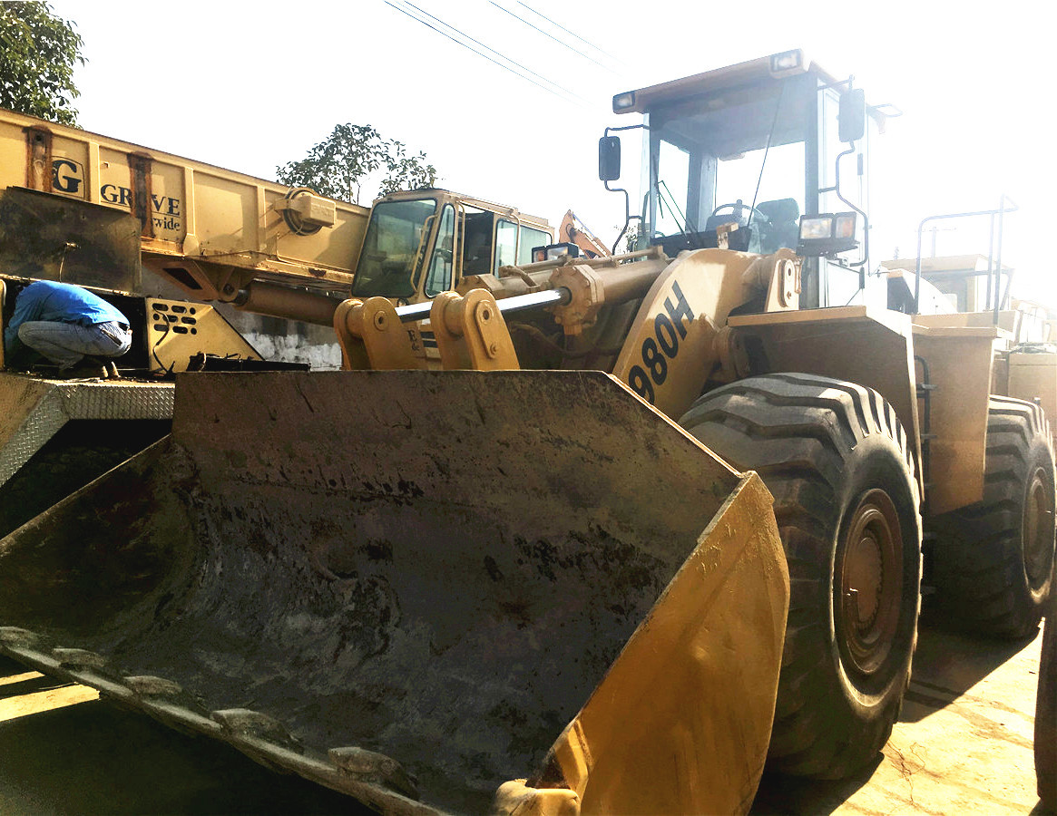 Wheel loader CATERPILLAR 980H: picture 5