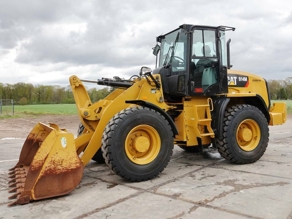 wheel loader CAT 914M - New Tyres / Low Hours / CE