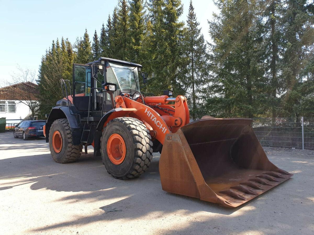 wheel loader Hitachi ZW 220-5 - 8019 St! + HOCHKLAPPSCHAUFELP