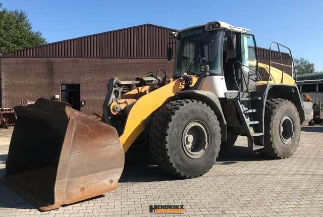 wheel loader LIEBHERR L556 2+2