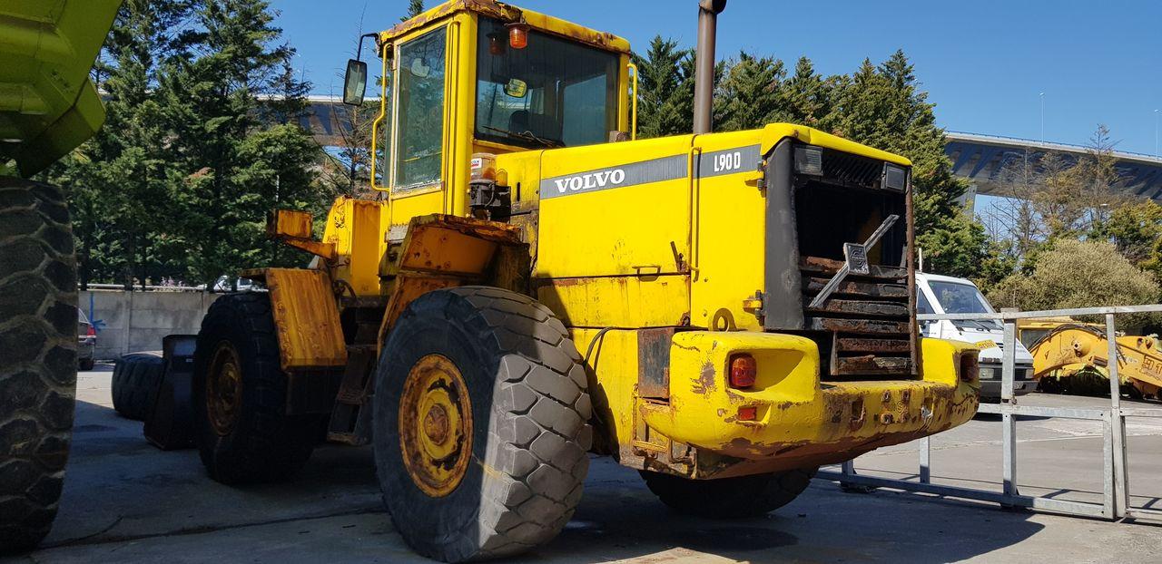wheel loader VOLVO L90D