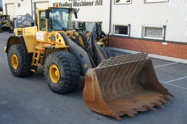 Volvo L220E wheel loader from Sweden for sale at Truck1, ID: 1932569