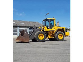 Volvo L90F - wheel loader