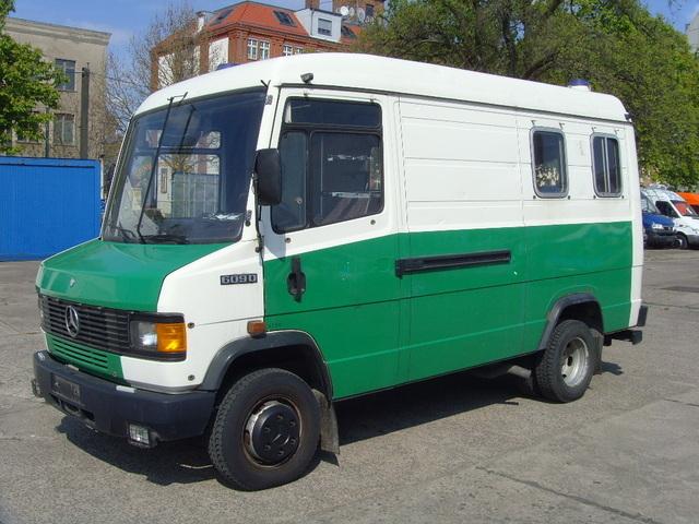 closed box delivery van mercedes benz 609 d kastenwagen hoch lang picture 1. Black Bedroom Furniture Sets. Home Design Ideas