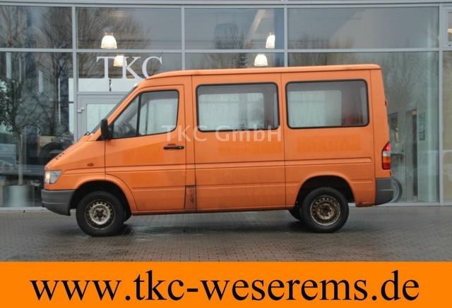 mercedes benz sprinter 208 d 3000 orange 3 sitzer ahk 120tkm closed box delivery van from. Black Bedroom Furniture Sets. Home Design Ideas