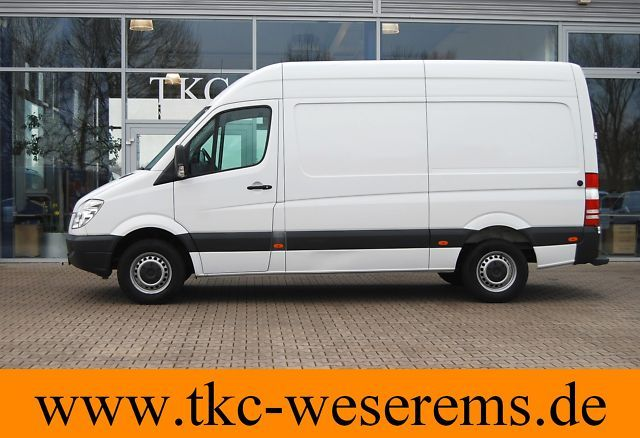 mercedes benz sprinter 213 cdi 3665 hochdach kasten euro 4 closed box delivery van from germany. Black Bedroom Furniture Sets. Home Design Ideas