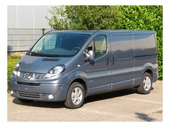 Closed Box Delivery Van Renault Trafic 2 0 Dci L2 H1 Black