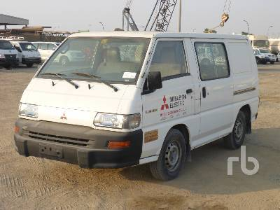 Closed Box Van MITSUBISHI L300