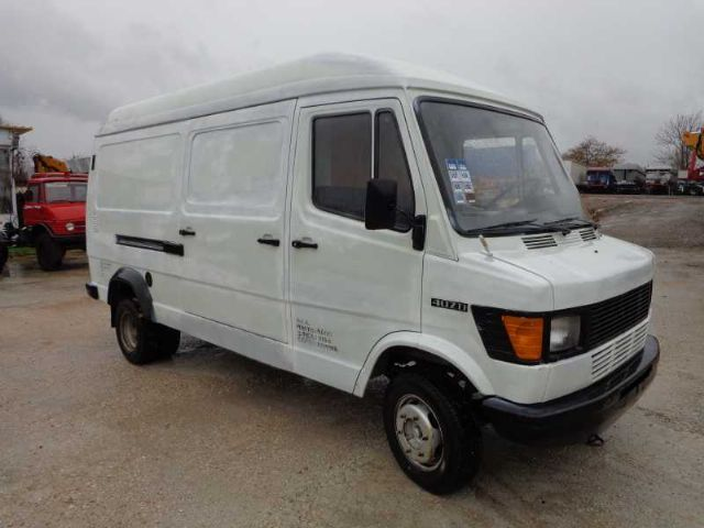 Mercedes benz mb 407d closed box van from greece for sale for Mercedes benz box truck