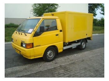 Closed Box Van Mitsubishi L300 25D