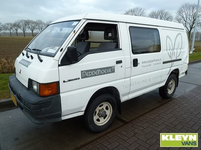 Closed Box Van Mitsubishi L300 4X4 LWB DC Picture 1