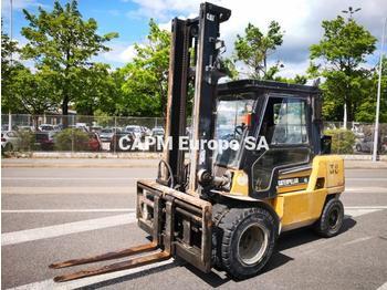 4 tekerlikli denge ağırlıklı forklift Caterpillar DP45K