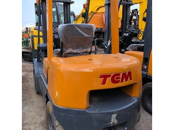 TCM FD30 - 4 tekerlikli denge ağırlıklı forklift