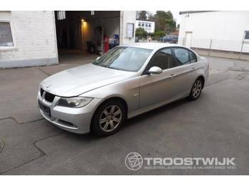 BMW 320d - лек автомобил