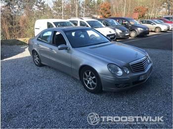Лек автомобил Mercedes-Benz E 200 CDI