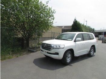 Лек автомобил Toyota Land Cruiser GXR V8