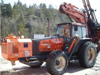 Tamrock Trimmer 200PB + Valtra 8150 - puurimisplatvorm