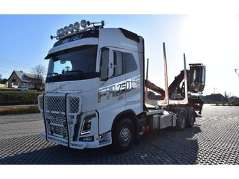 Timber transport Volvo FH16.750
