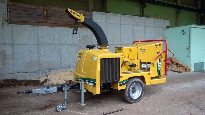 Vermeer BC1000XL wood chipper from Czech Republic for sale