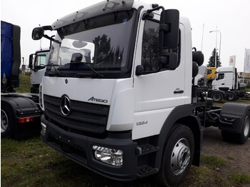 Veegmachine Mercedes-Benz Atego 1324 LKO chassis for sweeper
