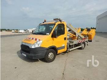 IVECO 35S12 - камион со подигачка кошница