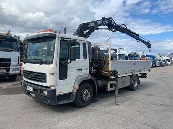 VOLVO FL6 Hiab 090 - бортовой грузовик