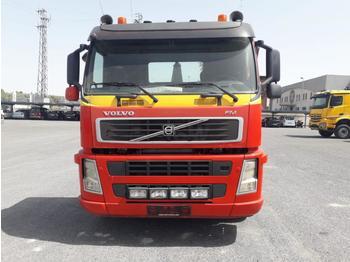 Volvo FM 400 - грузовик-контейнеровоз/ сменный кузов